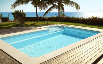 13 mondespa piscine escalier sur le côtès